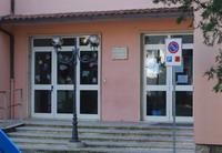 Ingresso della scuola secondaria di Graffignano
